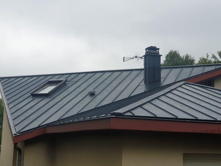 Renovation toit en shingle - pose d'une toiture aluminium à Figeac